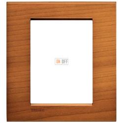 Рамка итальянский стандарт 3 мод прямоугольная, цвет Дерево Вишня (американская), LivingLight, Bticino