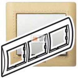 Рамка тройная, для горизонтального монтажа Legrand Galea Life, светлая кожа 771992